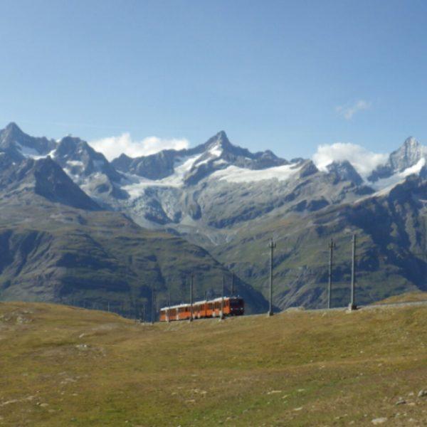 ゴルナーグラートへ登る登山電車