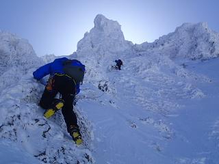 赤岳西壁南峰リッジ登攀とアイスクライミング