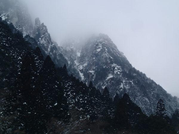 冬の藤内壁