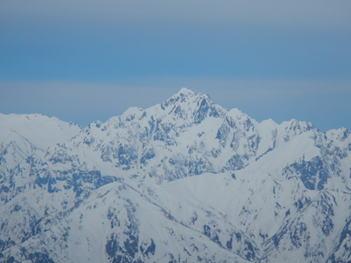 八方尾根を登り詰めると目の前に剱岳が 雄大な姿を現す。