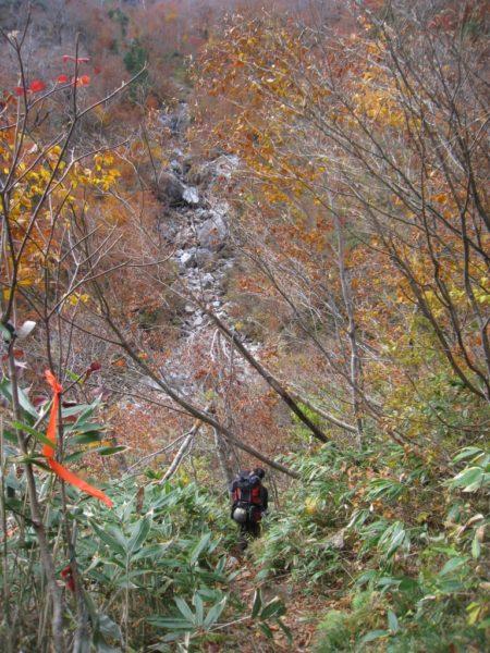 クリア谷から錫杖沢への分岐点