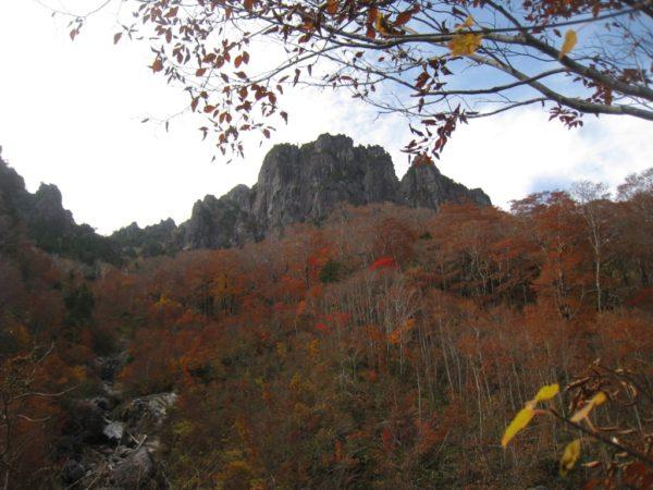錫杖岳前衛壁