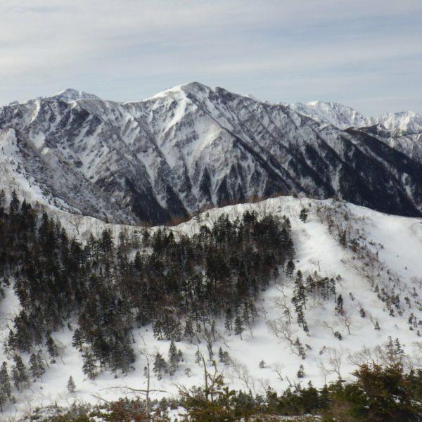 5. こちら側は悪沢岳や赤石岳に続く山々。