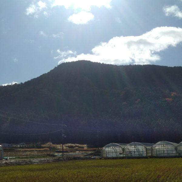 静原の里から望む簑ノ裏ヶ岳