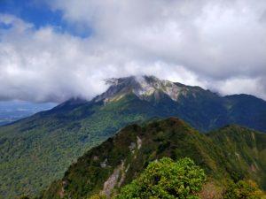 山頂から見えた大山